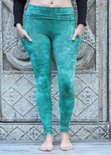Load image into Gallery viewer, Pocket Leggings - Sea Green