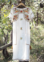 Load image into Gallery viewer, Romina Maxi Dress in Wild Flower White