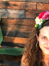 Load image into Gallery viewer, Frida Garlands Rainbow of Roses