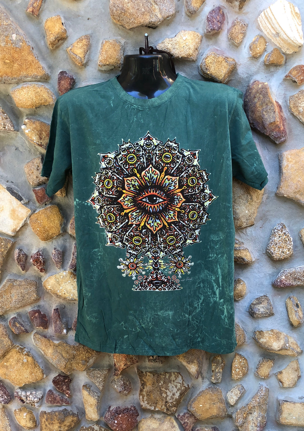Large Funky Tee - Eye in a Flower - Green