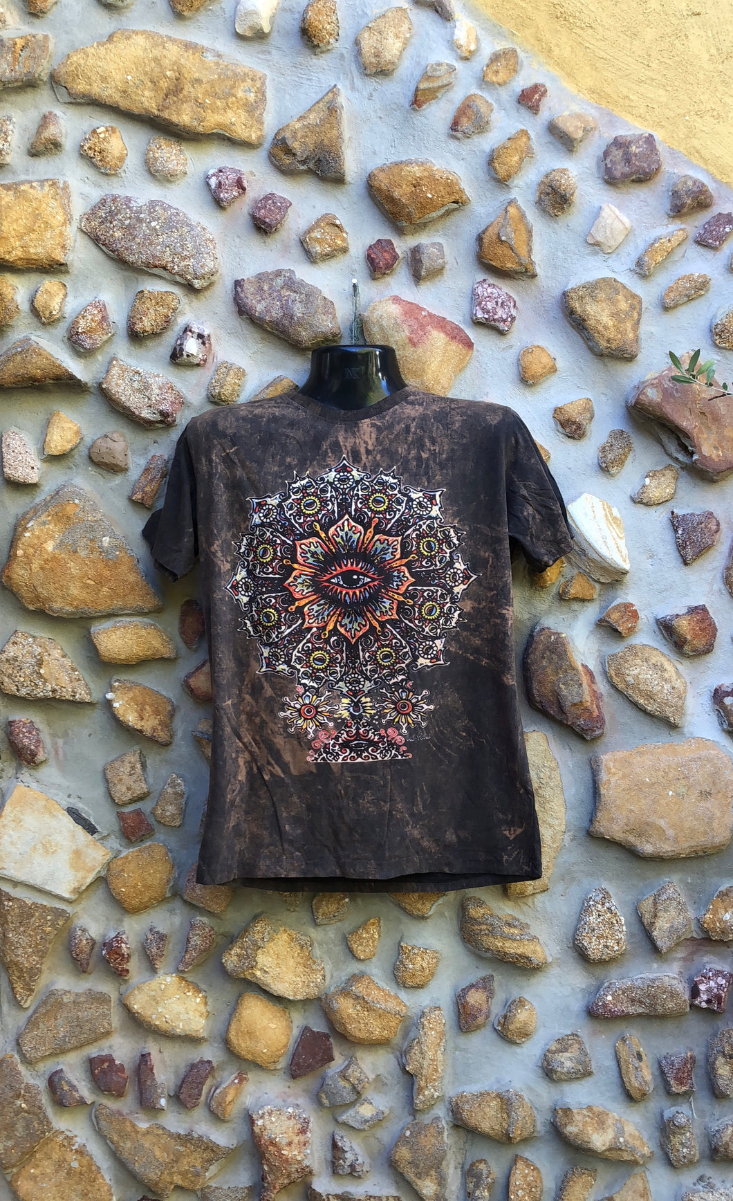 Medium Funky Tee - Eye in a Flower - Brown