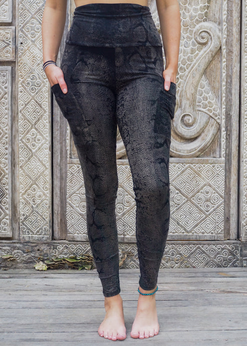 Pocket Leggings - Silver Snake Pattern
