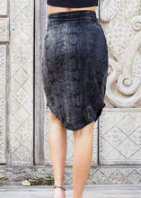 Load image into Gallery viewer, Silver Black Snake Stretchy Skirt