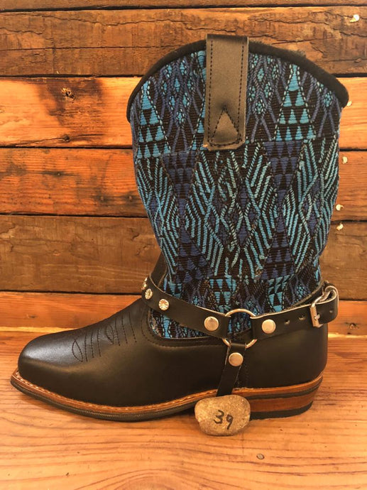 Size 39 Blunt-toe Cowgirl Bling Boots Blue Embroidery and Aztec