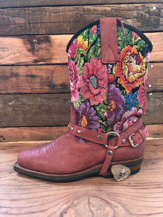 Size 37 Blunt-toe Cowgirl Bling Boots Flower Garden