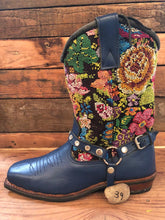 Load image into Gallery viewer, Size 39 Blunt-toe Cowgirl Bling Boots Flower Garden