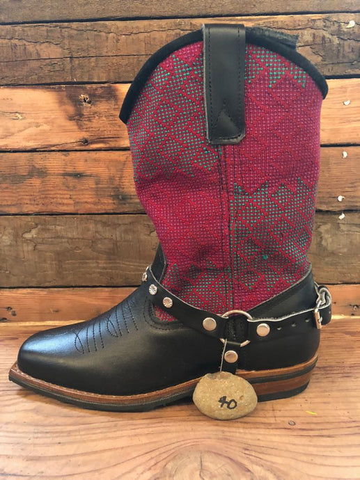 Size 40 Blunt-toe Cowgirl Bling Boots Crimson and Green