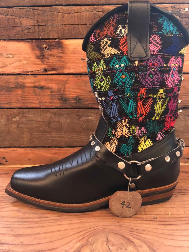 Size 42 Blunt-toe Cowgirl Bling Boots Birds and Puppies
