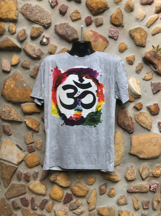 Extra Large Funky Tee - Om in a Rainbow - Grey