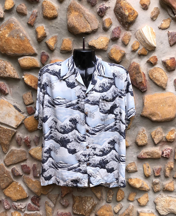 Extra Large Love Shirt - The Wave Japanese Print