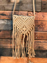 Load image into Gallery viewer, Natural macrame bag- fawn
