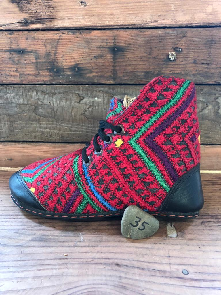 Size 35 Cloth Moccasins Red and Green