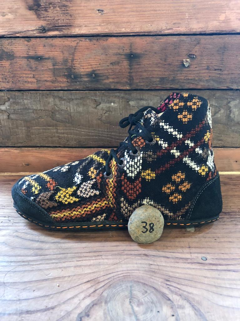 Size 38 Cloth Moccasins Earthy Patterns