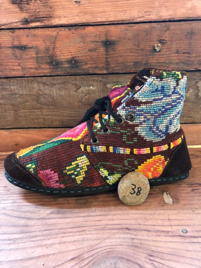 Size 38 Cloth Moccasins Embroidered Flowers