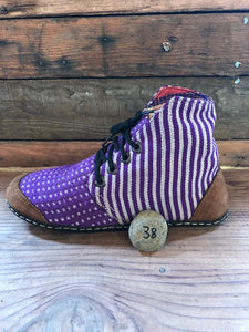 Size 38 Cloth Moccasins Purple Stripes