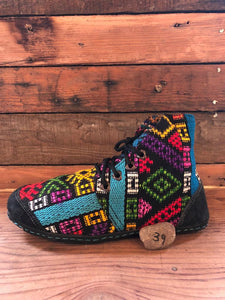 Size 39 Cloth Moccasins Rainbow Shapes