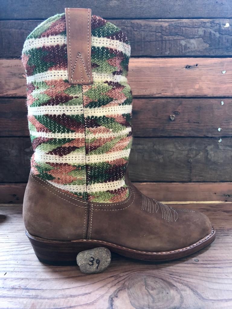 Size 39 Traditional Cowgirl Boot Natural