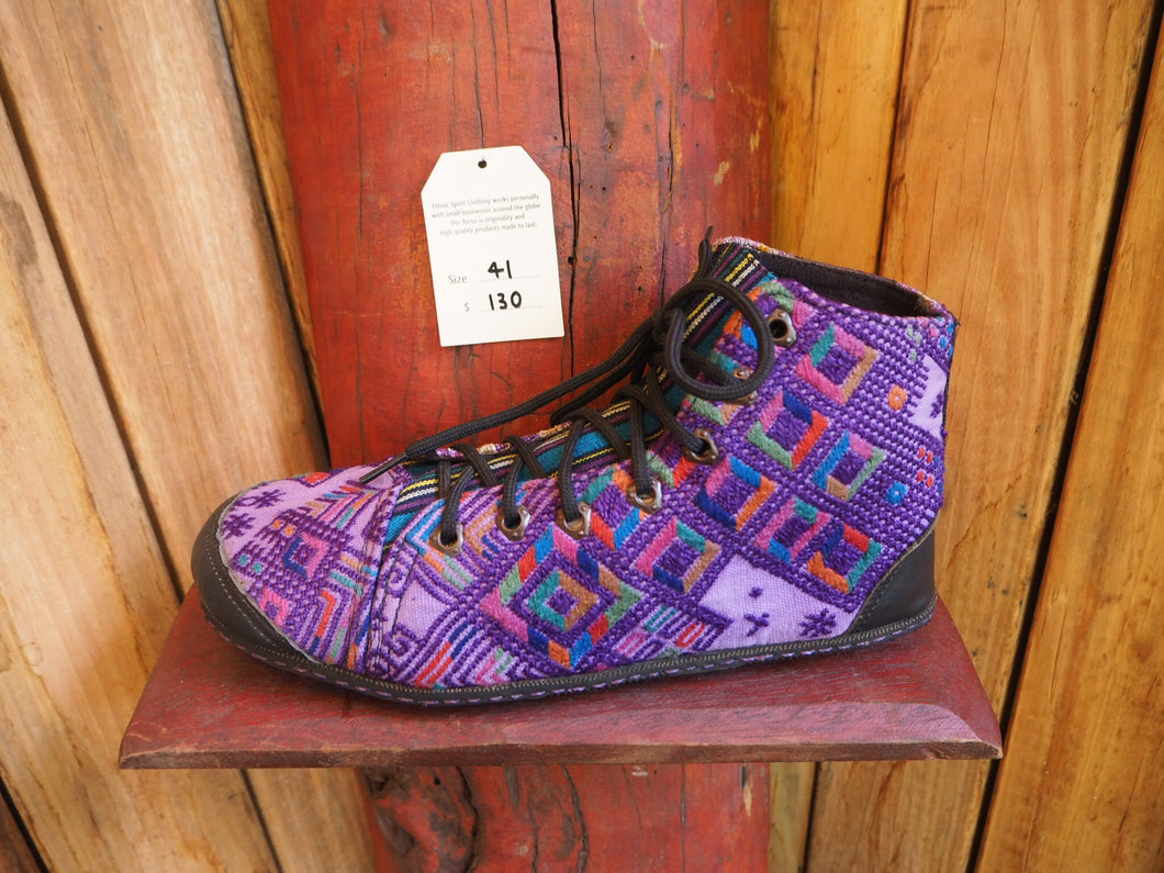 Size 41 Last of a Kind - Purple Diamonds