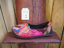 Load image into Gallery viewer, pink and crimson slip-ons