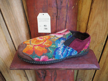 Load image into Gallery viewer, orange and blue flowers elasticated slip ons
