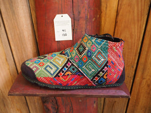 turquoise and salmon rainbows japanese boot