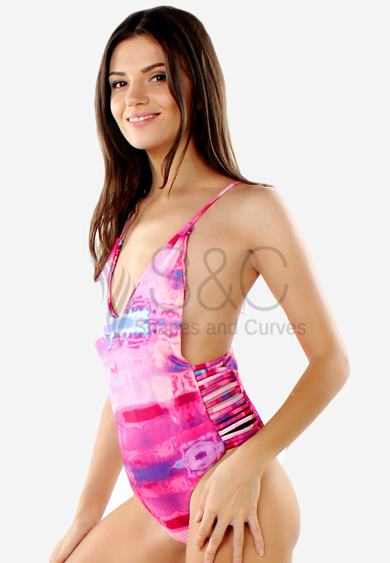 LOW BACK SIDE CUT ONE PIECE SWIMSUIT