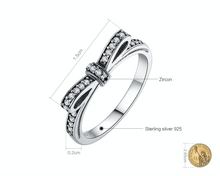 Sparkling Ribbon Ring