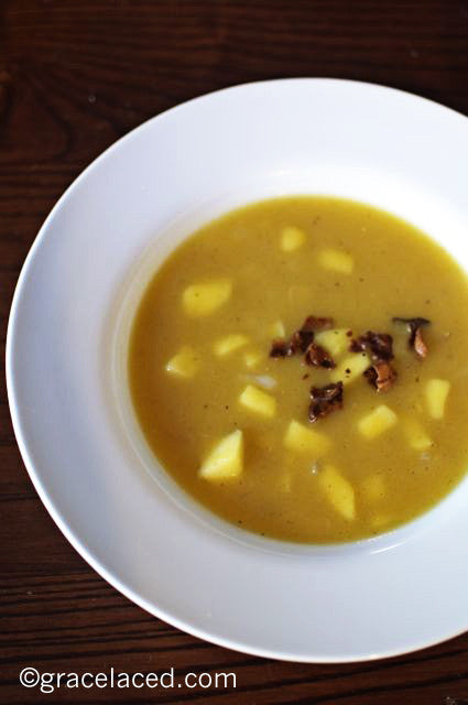 Roasted Acorn Squash Soup with Apples and Bacon