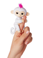 Fingerlings Sophie (White with Pink Hair)