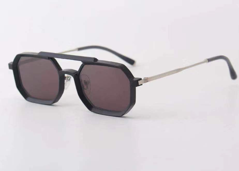 Small Square Geometric Fashion Sunglasses - Iris Fashion Inc. | Wholesale Sunglasses and Glasses