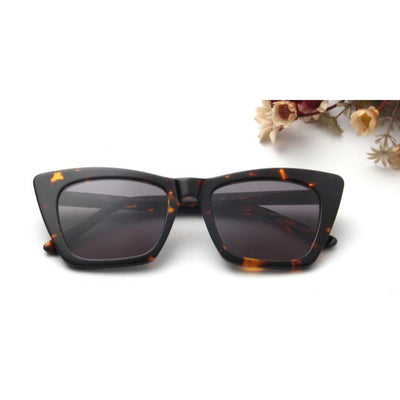 SA2 - Women Retro High Pointed Cat Eye Fashion Sunglasses - Iris Fashion Inc. | Wholesale Sunglasses and Glasses