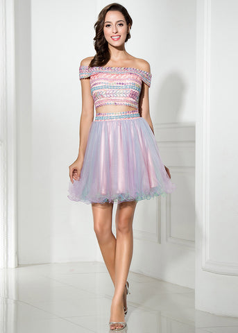 Attractive Tulle Off-the-shoulder Neckline A-Line Short Homecoming Dresses With Beadings