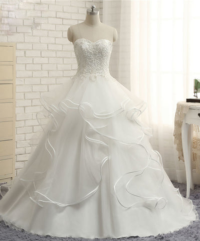 Wedding Dresses 2017 New Fashion Sweetheart Lace Appliques Beading Count Train
