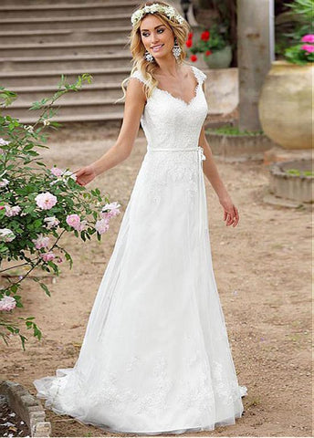 Tulle V-neck Lace Appliques A-line Wedding Dress With Belt