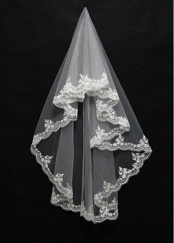 Elegant Tulle Wedding Veil With Lace Applique Edge