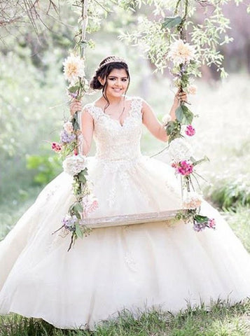 Ball Gown V-Neck Ivory Tulle Quinceanera Dress with Appliques