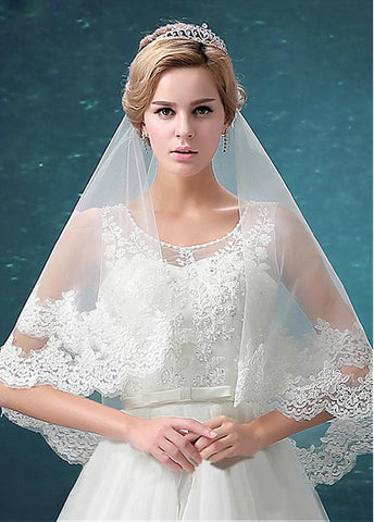 Romantic Tulle Ivory Wedding Veil With Lace Appliques