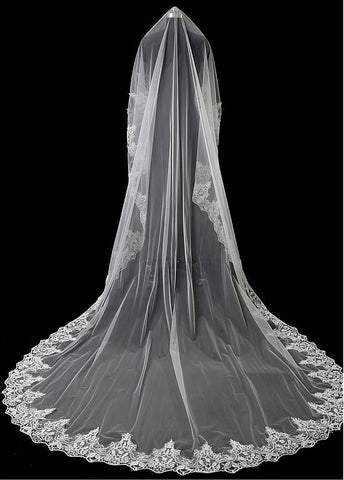 Popular Tulle Wedding Veil With Lace Appliques