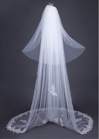Gorgeous Ivory Tulle Two-layer Wedding Veil With Sequin Lace Appliques