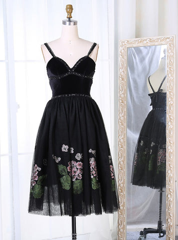 Straps Short Black Beading Appliques Homecoming Dress