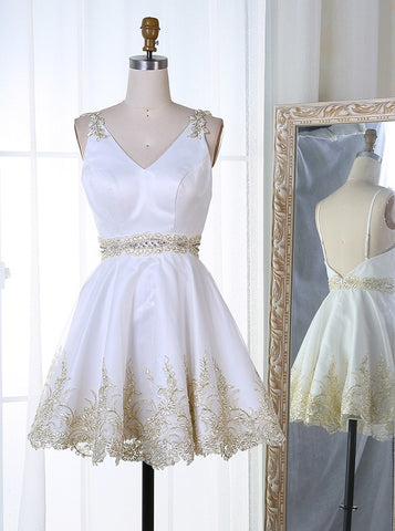 V-Neck Short White Satin Homecoming Dress with Appliques