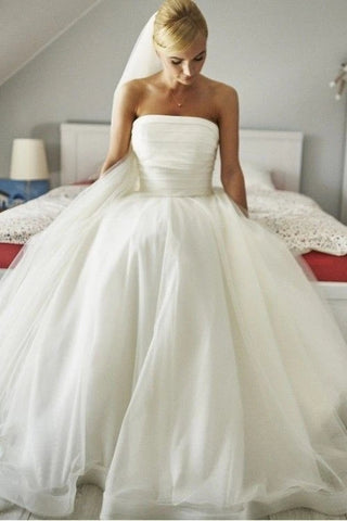 Lace Up Back Ball Gown Strapless Tulle Wedding Dress
