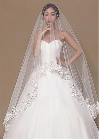 Chic Tulle Wedding Veil With Sequins Lace