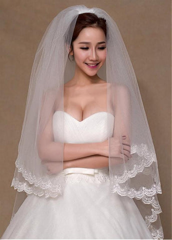 Elegant Tulle Wedding Veil With Lace & Comb