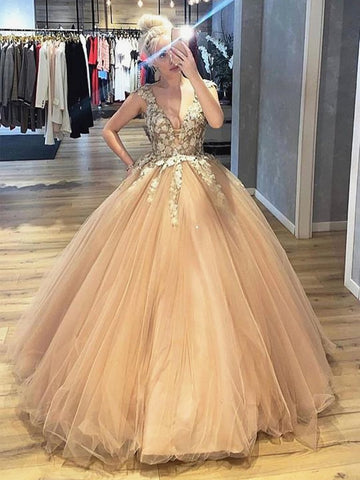 Ball Gown Tulle Appliques V Neck Lace Champagne Prom Dress