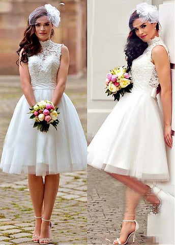 Knee-Length Wedding Dress With Lace Appliques