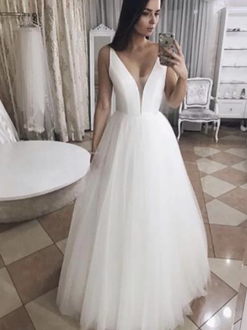 Princess Tulle Ruffles V-neck Sleeveless Floor-Length Wedding Dress