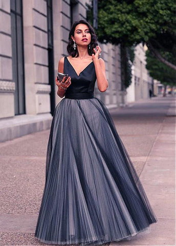 V-Neck  Ball Gown Evening Dress With Bowknot