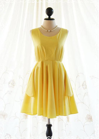 Chic Chiffon Bateau Neckline Short A-line Homecoming Dress