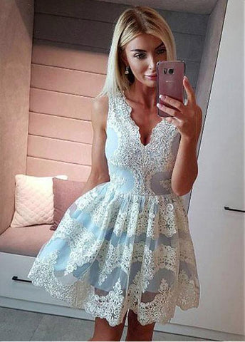 Beaded Lace Appliques Tulle V-neck Short A-line Homecoming Dress
